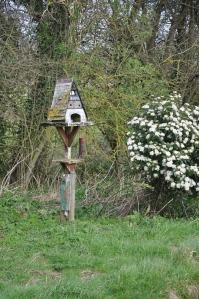 Bird house, with nest!